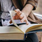 با ۶ فایدهی خواندن زندگی نامه یا بیوگرافی آشناشوید