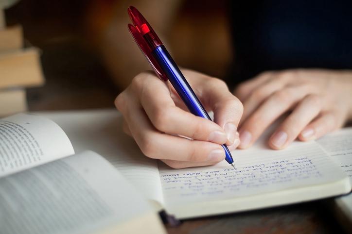 چگونه مقاله علت و معلولی بنویسیم