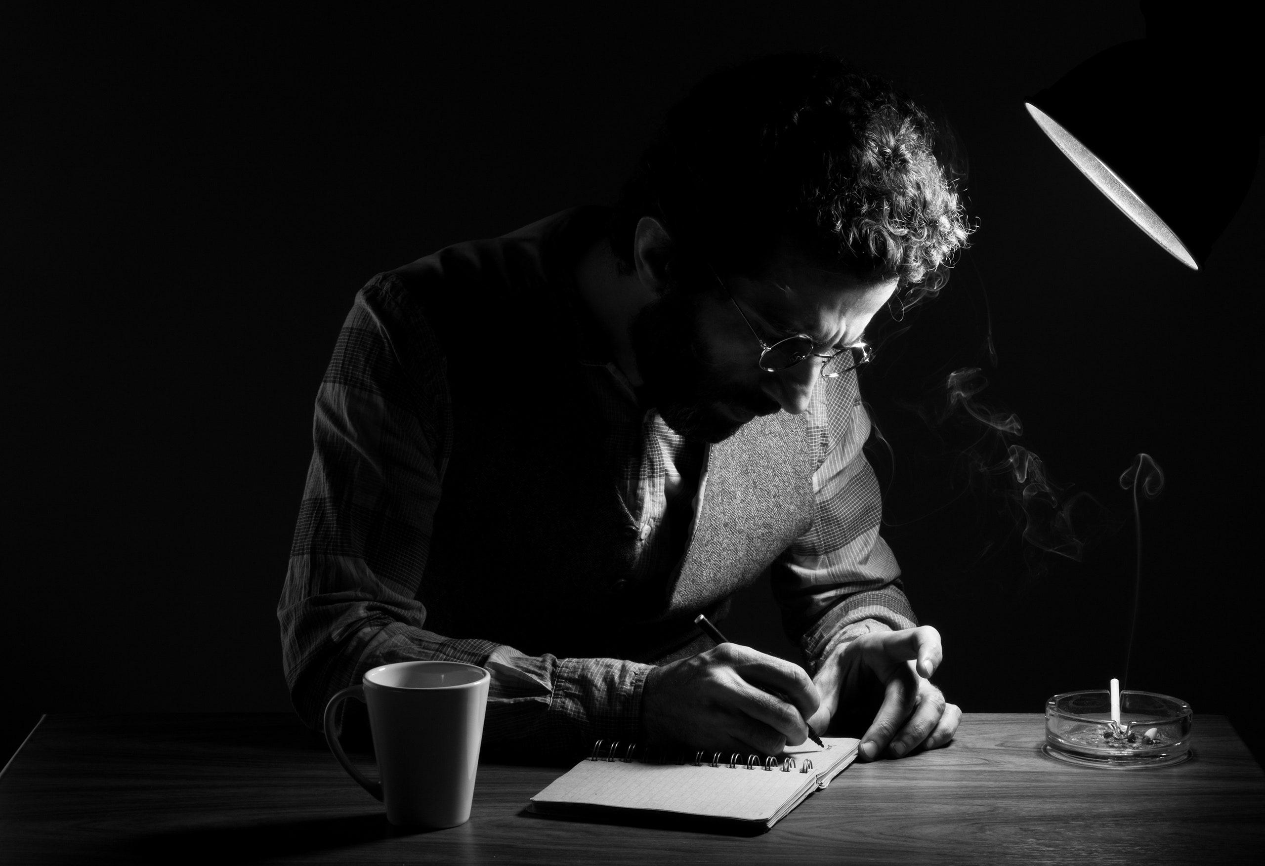 چگونه رمان کوتاه بنویسیم: راهنمای گام به گام
